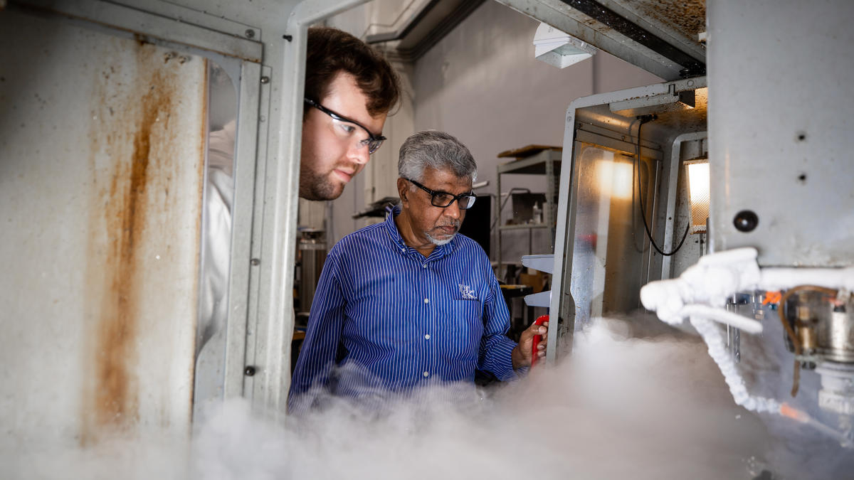 Professor I.S. Jawahir (right), conducting cryogenic material processing experiments with Daniel Caudill (left), Mechanical Engineering graduate research assistant. Pete Comparoni   UK Photo.